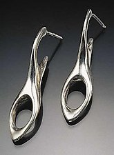 Figure 8 Earrings by Lisa Slovis (Silver Earrings)