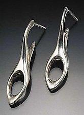 Figure 8 Earrings by Lisa Slovis (Silver Earrings)