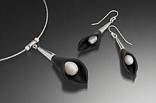 Tuxedo Calla Lily Pearl Necklace & Earrings by Eloise Cotton (Art Glass Jewelry)