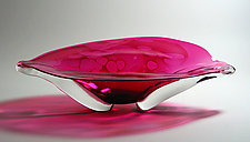 Oval Eye Platter: Ruby by Suzanne Guttman (Art Glass Vessel)