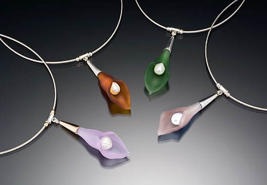 Color Calla Lily Necklace