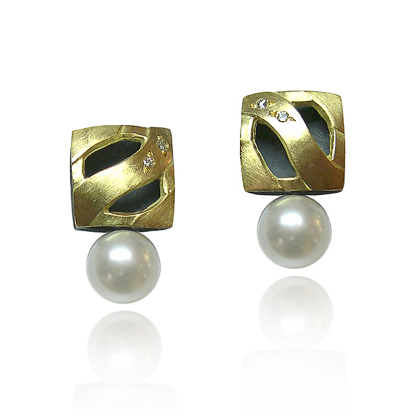 Square Studs with Pearl