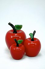 Three Red Apples by Donald  Carlson (Art Glass Sculpture)