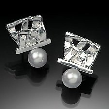 Small Woven Basket Pearl Earrings by Chi Cheng Lee (Silver & Pearl Earrings)