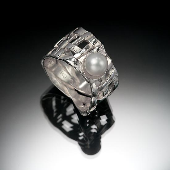 Woven Basket Ring with Pearl