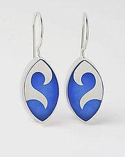 Elliptical Wave earrings by Victoria Varga (Silver & Resin Earrings)
