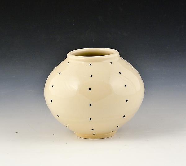 small round vase 2 by marilee schumann