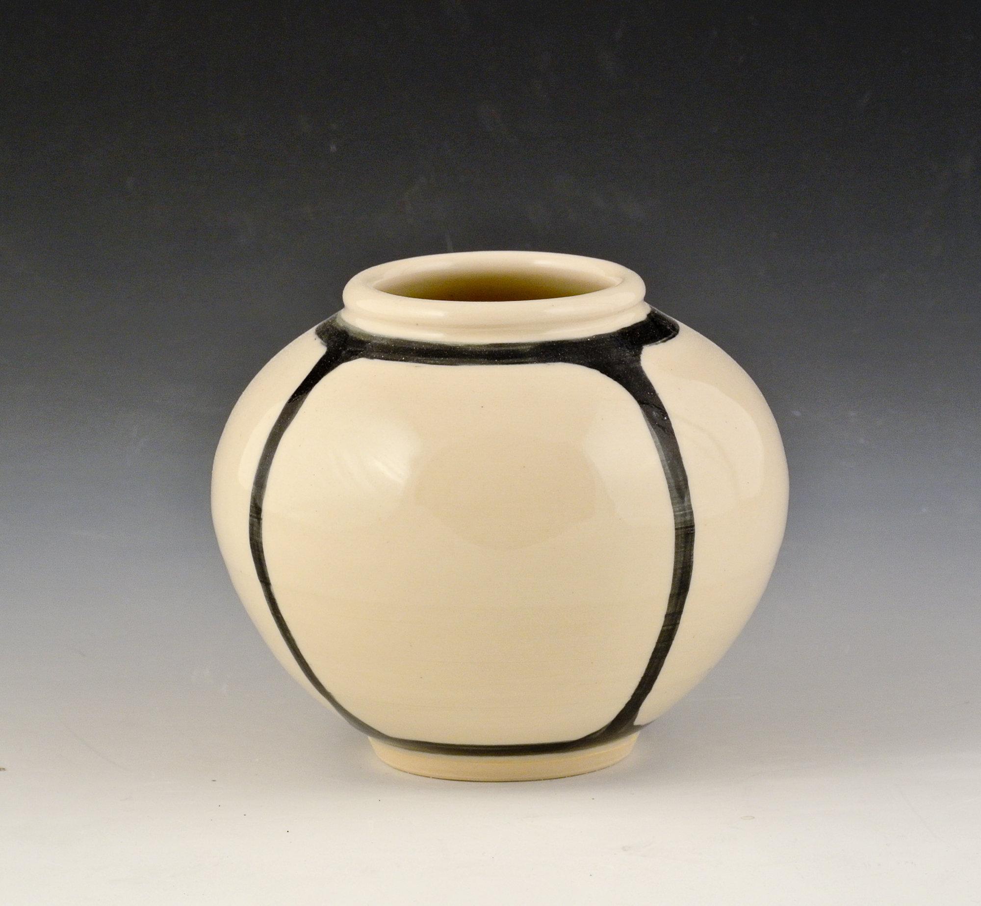 small round vase 3 by marilee schumann