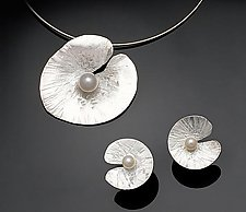 Floating Lily Earrings & Pendant by Chi Cheng Lee (Silver & Pearl Jewelry)