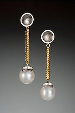 Chain Drop Earring by Ann Cahoon (Palladium, Gold, & Pearl Earrings)