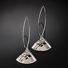 Woven Kite Earrings by Chi Cheng Lee (Silver Earrings)