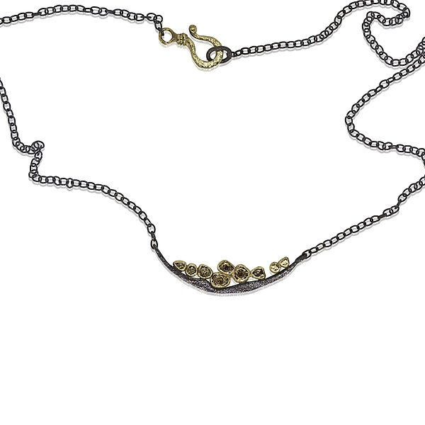 Wavy Pebbles Bar Necklace