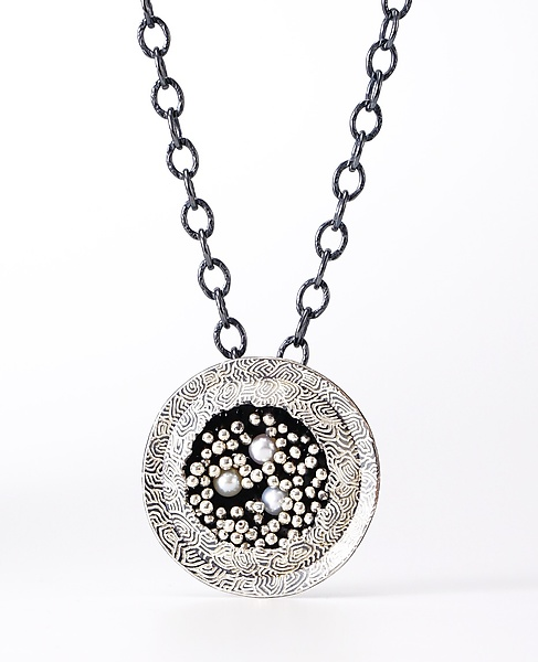 Round Beyond the Sea Necklace in Silver