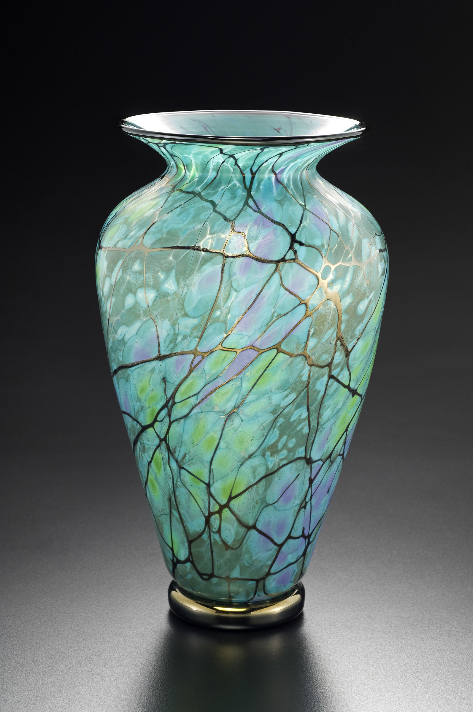 serenity vase by david lindsay art glass vase artful home. Black Bedroom Furniture Sets. Home Design Ideas