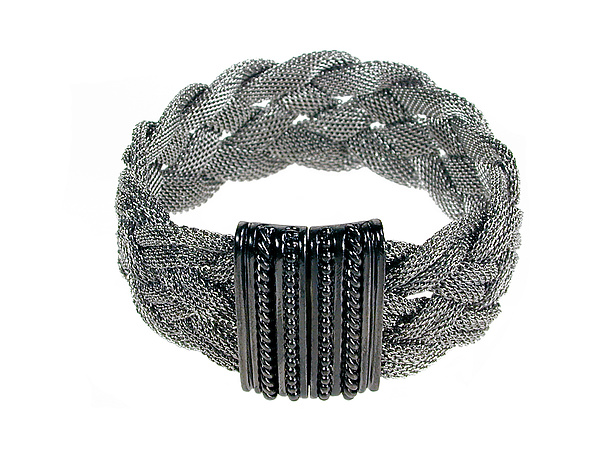 Braided Mesh Bracelet with Textured Magnetic Clasp