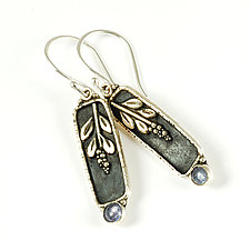 Mountain Laurel Earrings by Vickie  Hallmark (Silver & Stone Earrings)