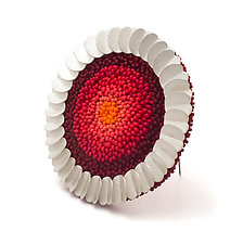Salvinia Brooch by Claudia Fajardo (Beaded Brooch)
