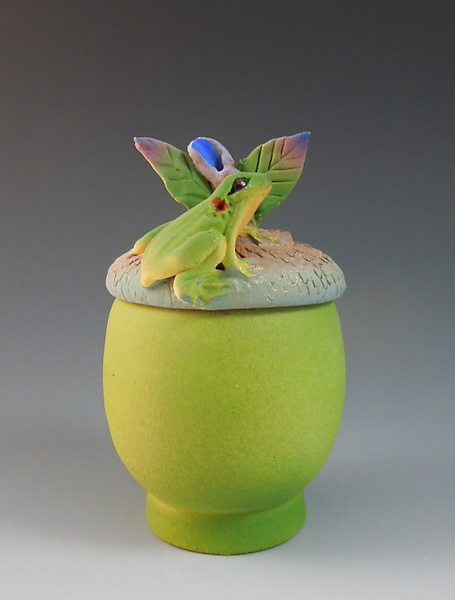 Green Acorn Box with Frog