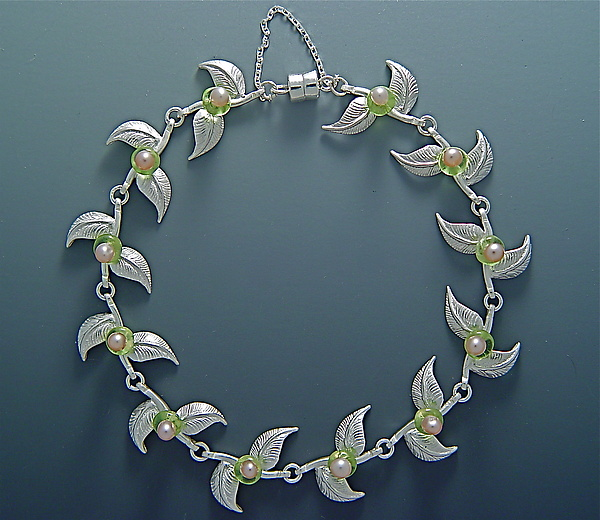 Pointed Leaf Bracelet with Pearls & Peridot