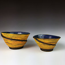 Nested Ribbon Bowl Set II by Thomas Harris (Ceramic Bowls)
