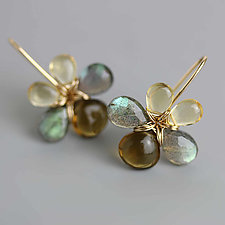Shades of Sand and Stone Flowers by Wendy Stauffer (Gold & Stone Earrings)