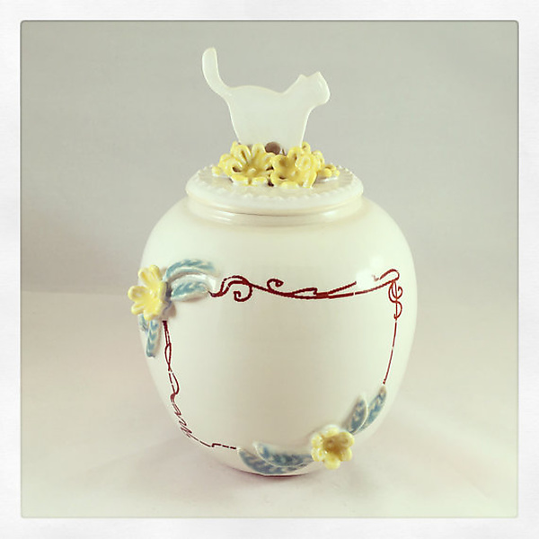 English Porcelain Customizable Cat Urn