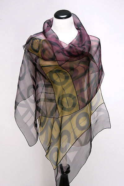 Geometric Wrap in Plum