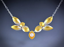 Daffodil by Judith Neugebauer (Gold, Silver & Pearl Necklace)