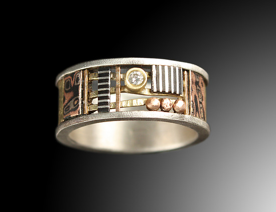 Davenport Ring 8mm with Diamond & Textured Gold Band