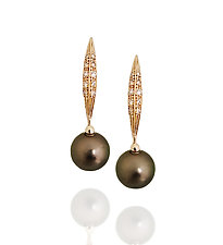 Folia by Veronica Eckert (Gold, Stone & Pearl Earrings)