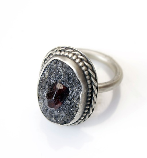 Filigree Garnet in Schist Ring