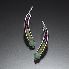 Beaded Curve Earrings in Jade and Garnet by Susan Kinzig (Beaded Earrings)