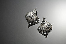 Tacinga Earrings by Sooyoung Kim (Silver & Pearl Earrings)