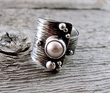 Drift Pearl Ring by Delias Thompson (Silver & Pearl Ring)