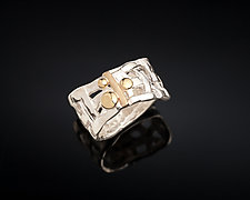 Woven Basket Pebble Ring by Chi Cheng Lee (Gold & Silver Ring)