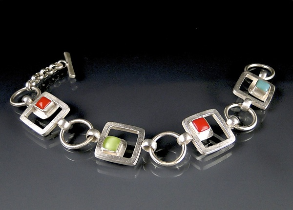 Small Cabs and Cubes Bracelet