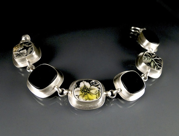 Meadow and Black Glass Bracelet
