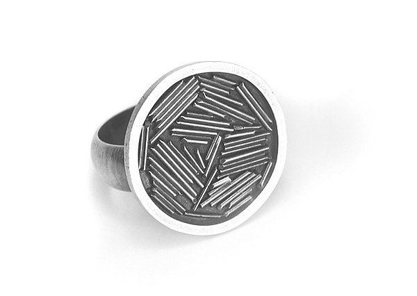 Round Sticks Ring