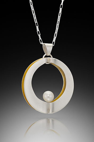 Mod Circle Single Pendant with Pearl