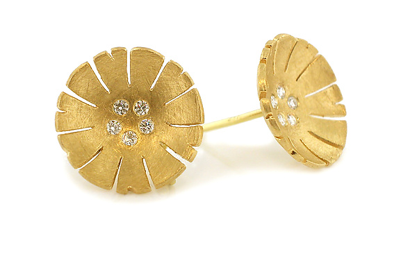 Flower Earring in 18K and Diamond
