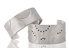 Dots and Bubbles Cuffs by Diana Widman (Silver Bracelet)