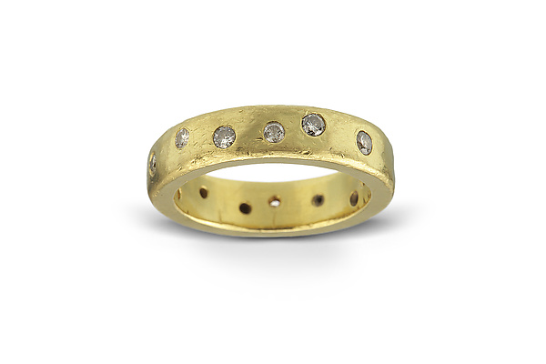 22k Gold & Diamond Wedding Ring