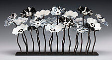 Black and White Garden Table Centerpiece by Scott Johnson and Shawn Johnson (Art Glass Sculpture)