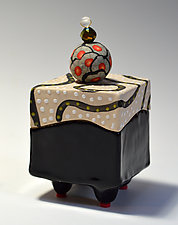 Blackline Halfsie Box by Vaughan Nelson (Ceramic Box)