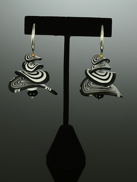 Petals Earrings in Black White Mix