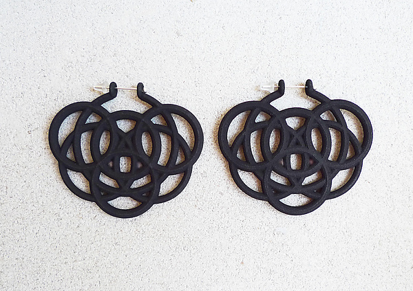 Loop Hoop II Earrings Black