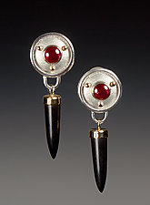 Onyx Icicle Earrings by Linda Smith (Gold, Silver & Stone Earrings)