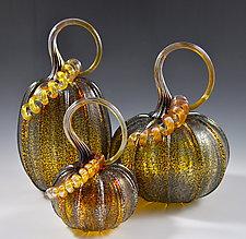 Pumpkins in Moss by Drew Hine (Art Glass Sculpture)