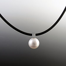 South Sea Pearl Pendant by Claudia Endler (Pearl Necklace)