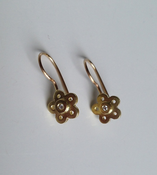 18k Gold Flower and Diamond Earrings